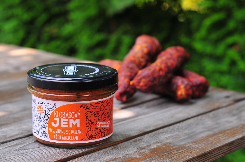 dzivočina klobásový slaninový cibuľovvý džem