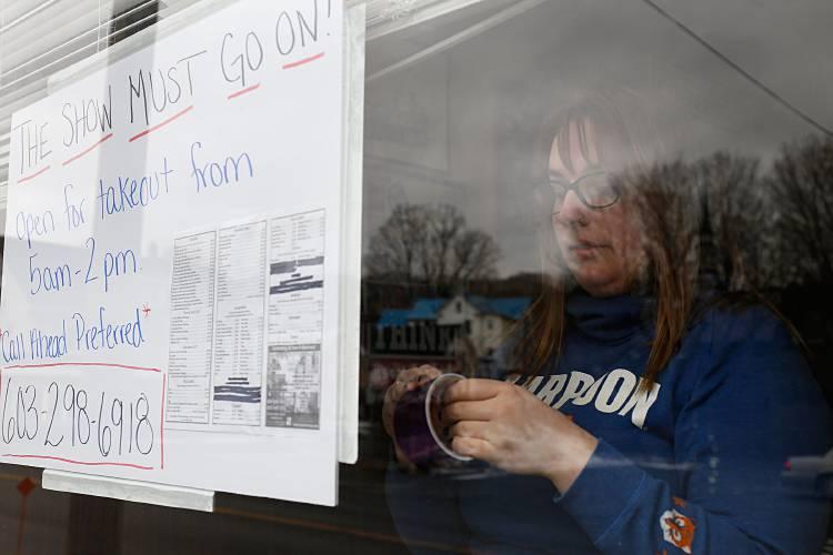 Valley News - Upper Valley restaurant workers bear brunt of ...