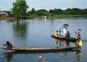 Orang Budha Bakar Nelayan Muslim Rohingya & 2 Anaknya