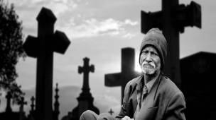 visitar o túmulo de entes queridos