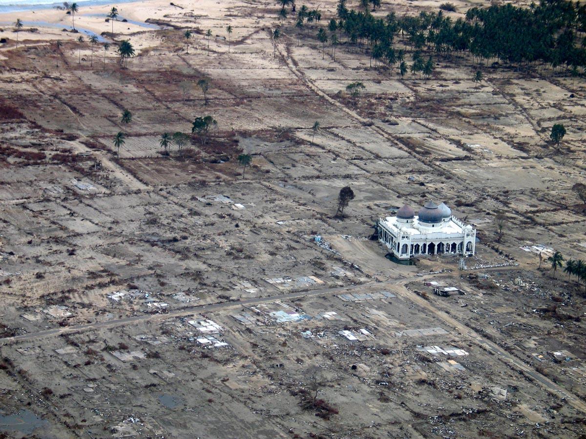 Tsunami Survivors Recall How Mosques Stood Firm