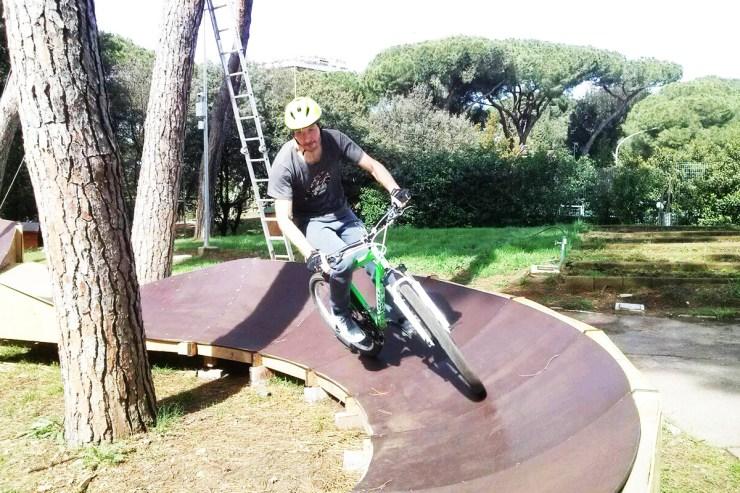 Akrobatska vožnja bicikla (foto: www.eurpark.it/Facebook @eurparkadventure)