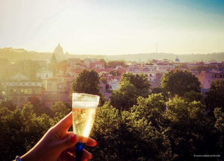Koktel dobrodošlice u Parku pomorandži (foto: Vodič kroz Rim)