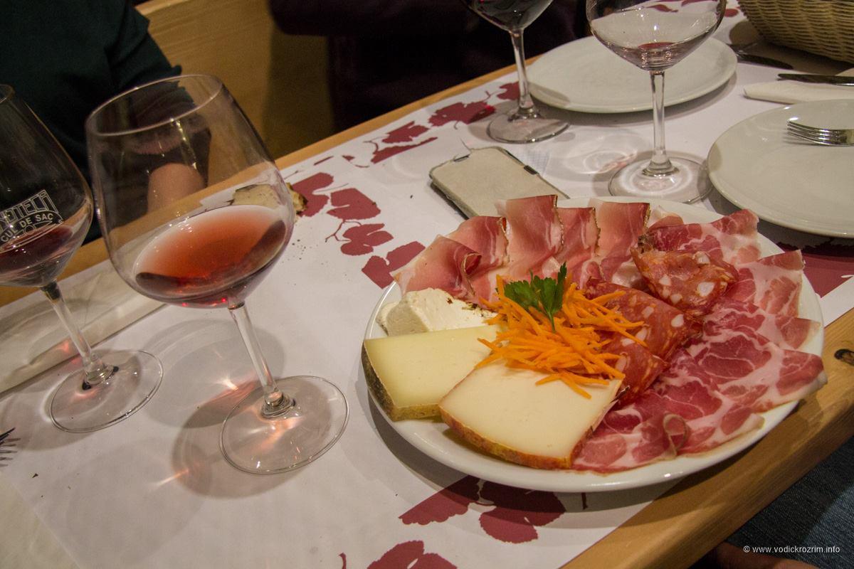 Trastevere je poznat po odličnoj eno-gastronomskoj ponudi (foto: vodič kroz Rim)
