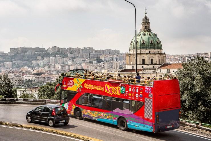 Obilazak Napulja autobusom: hop on - hop off 24 sata