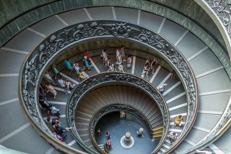 Vatikansku muzej - monumentalne stepenice