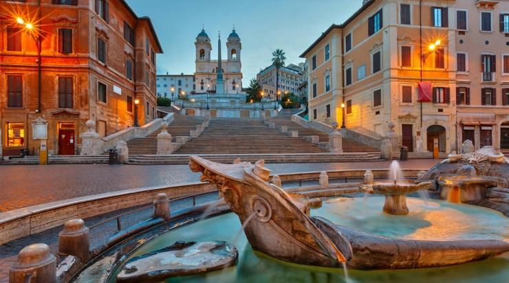 Španski trg i fontana Barkaća