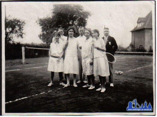 Tennisplatz am Kirschenwäldchen in den 20er Jahren © Strempel