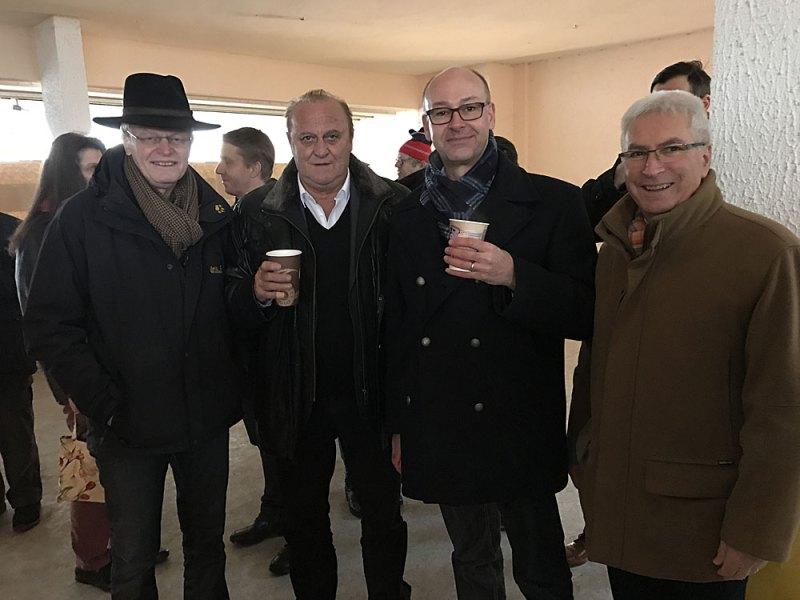 Bildunterschrift: Bürgermeister Wolfgang Bintz, Innenminister Klaus Bouillon, CDU-Fraktionsvorsitzender Stefan Rabel, Oberbürgermeister Klaus Lorig (v.l.n.r.)