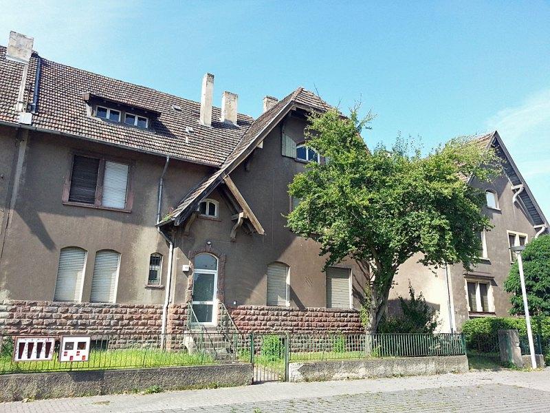 Die Meisterhäuser in Wehrden gehören nun einer privaten Investorengruppe (Archivfoto: Hell)