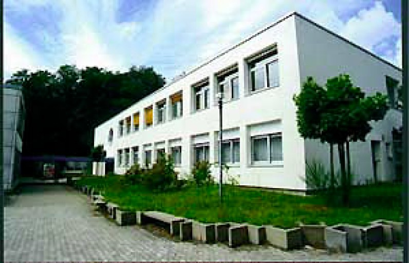 Warndtgymnasium um 2012