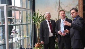 Christoph Matschie übergibt Fördermittelbescheide an Stadt Greiz und Evangelisch-Lutherische Kirchgemeinde