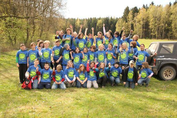 Waldverbesserer pflanzen 400 Ulmen im Werdauer Wald