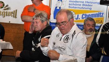 Jugendtrainer Erhard Schmelzer und Siegfried Lippke vom RSV Rotation Greiz