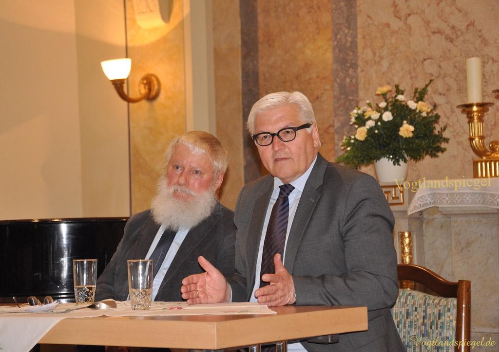 Dr. Frank-Walter Steinmeier, Fraktionsvorsitzender der SPD bei Prominente im Gespräch