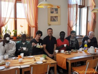 Besong Agbor lud ins Greizer Cafe` OK ein