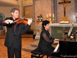 Sarah Stamboltsyan,Klavier und Artashes Stamboltsyan,Violine
