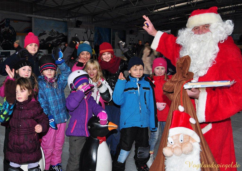 Weihnachtsmann besuchte Greizer Eisbahn
