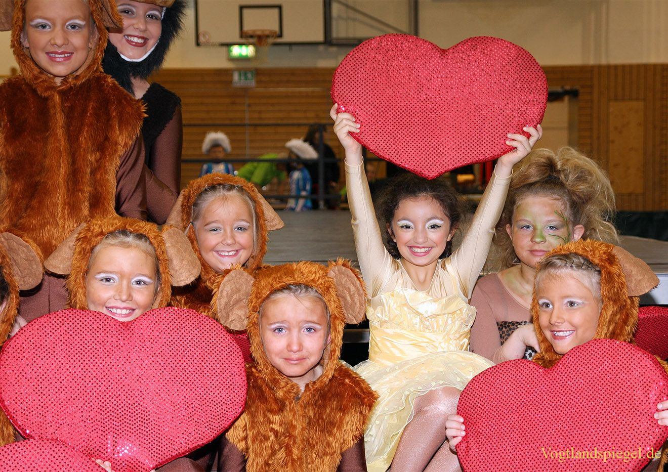 Viel Trubel beim Freundschaftsturnier im karnevalistischen Tanz