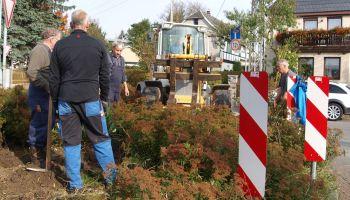 Gommlaer Bürger aktiv bei der Gestaltung ihres Wohn- und Lebensumfeld tätig