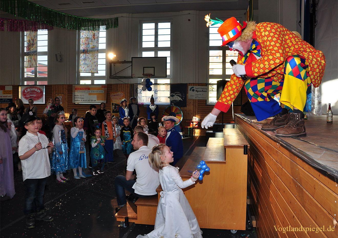 Kunterbunter Kinderfasching für jüngste Greizer