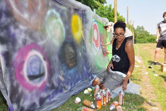 Informativer SchViel Fantasie ist beim Sprayen gefragt.ulprojekttag an Pohlitzer Regelschule