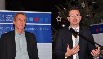 Ausstellung und Diskussion: DDR-Mythos und Wirklichkeit