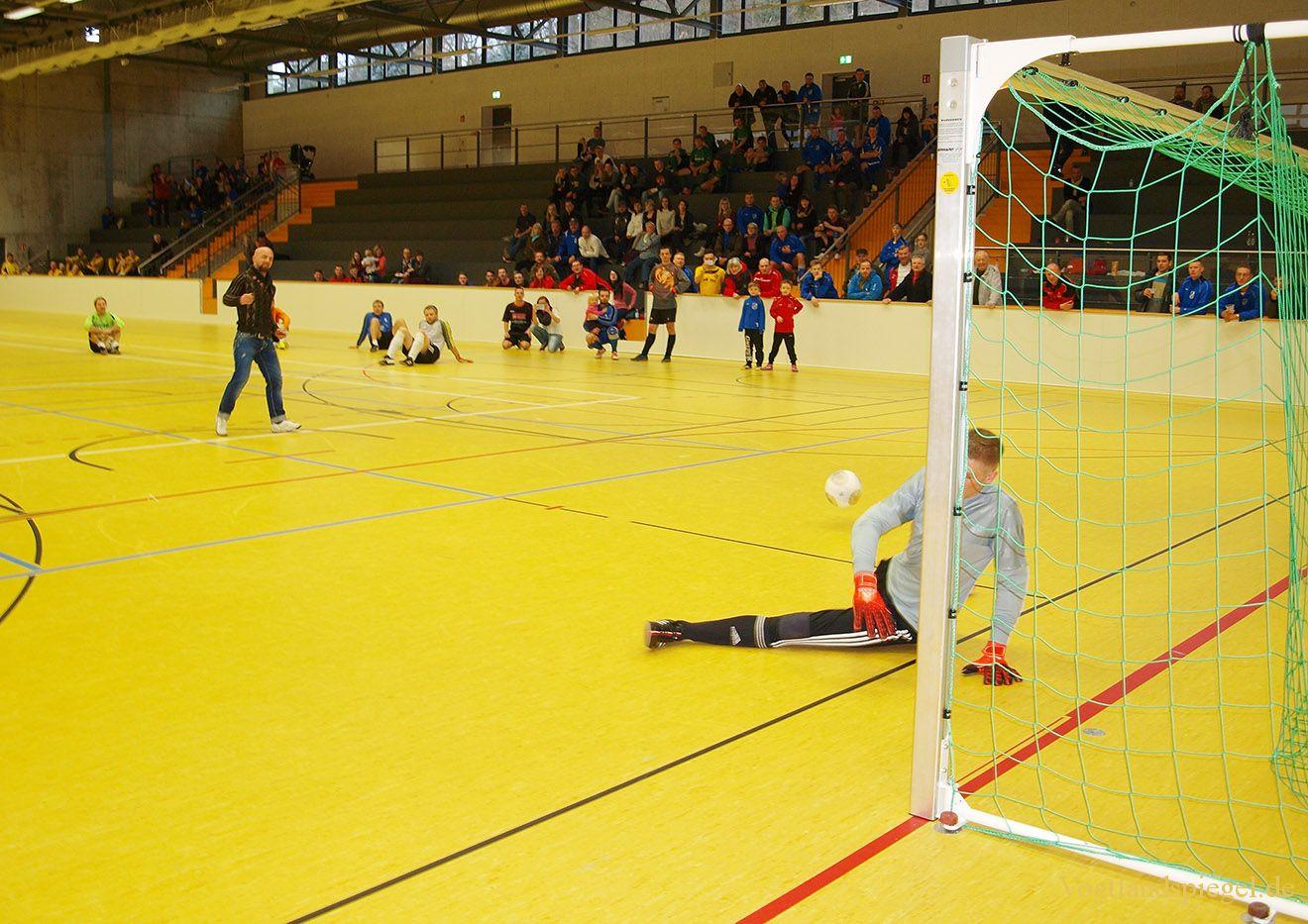 Männer des SV Blau-Weiß 90 Greiz gewinnen Czerwenka-Finanz-Cup