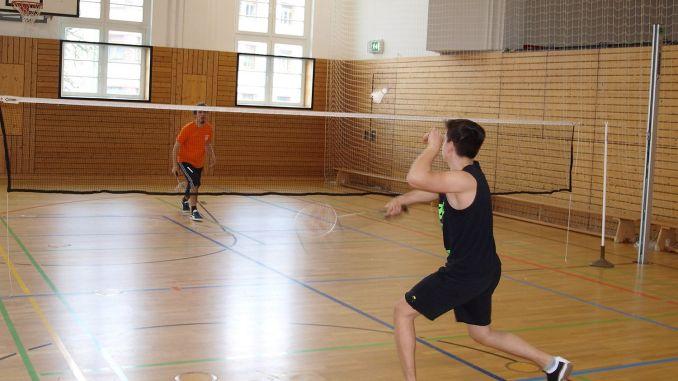 Ernst-Arnold-Schule gewinnt Schulwertung beim Badminton-Turnier