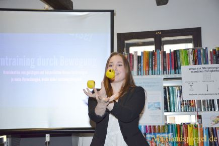 Greizer Gymnasiasten präsentieren Seminarfacharbeit