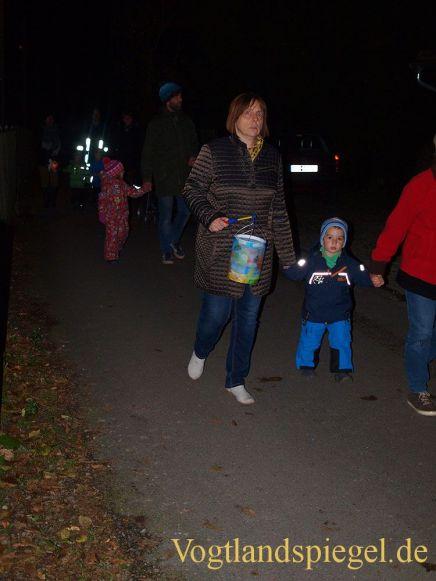 Lichterfest in Gommla: Bunte Lampions grüßten