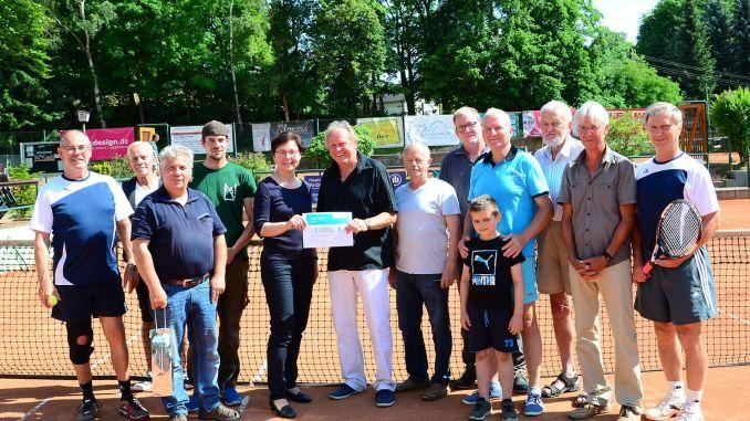 Tennis-Club Blau-Weiß Greiz: Zaunbau mit Lottomitteln gefördert
