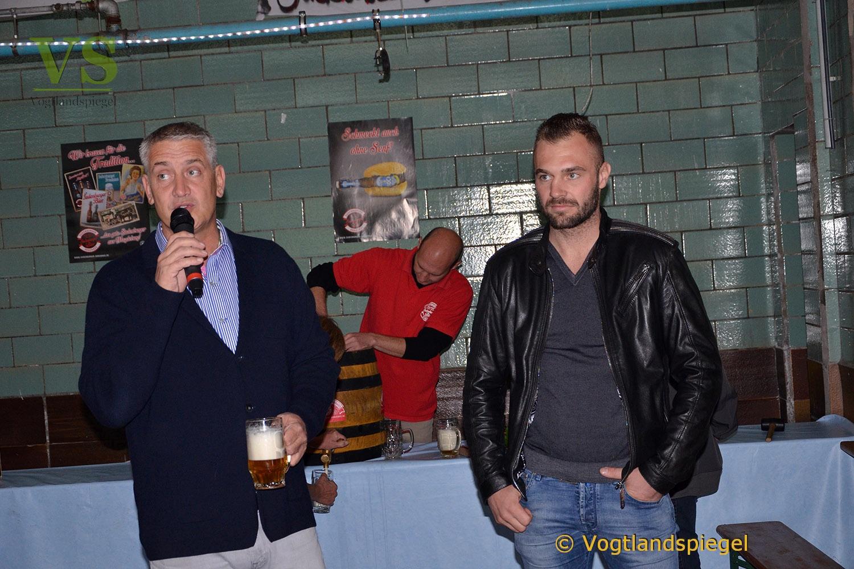 Gaststätte Feldschlößchen: Box-Promoter Steinforth zelebriert Bockbieranstich