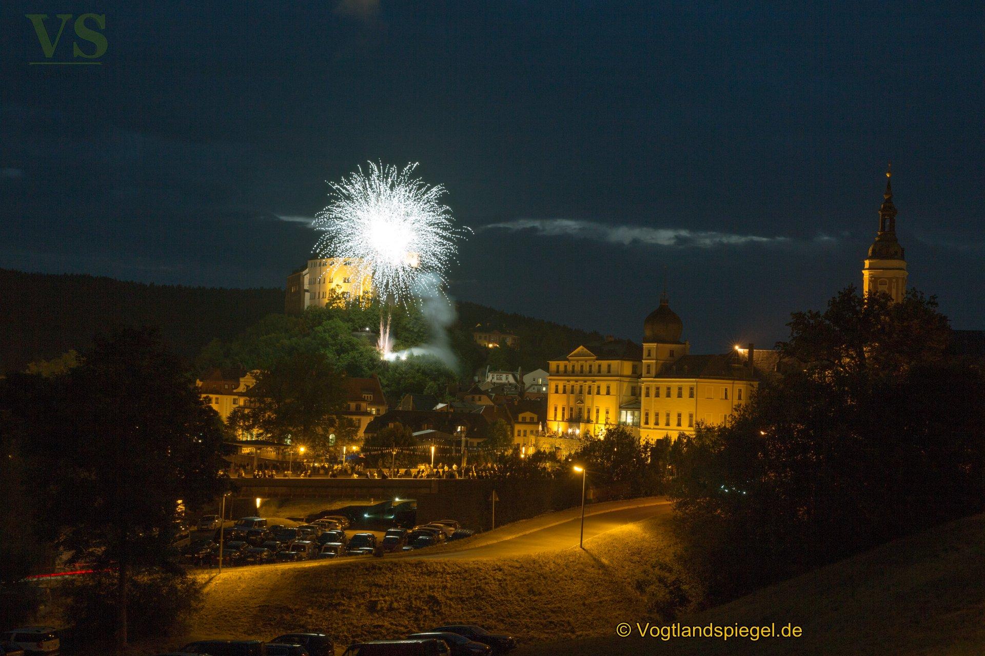 Ein großes Feuerwerk mit Musik krönte am Sonntagabend das 26. Greizer Park-und Schlossfest.