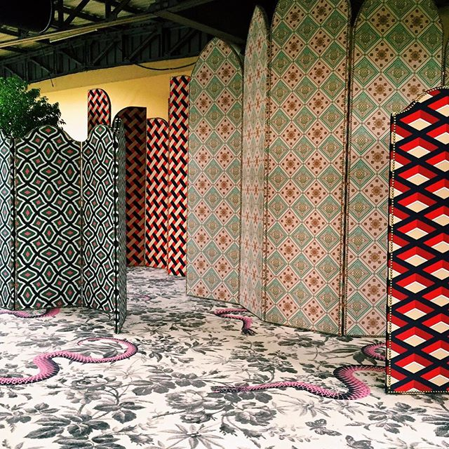 Fall Bohemian Fashion Wallpaper 5 Vintage Inspired Screens To Add A Touch Of Gucci S
