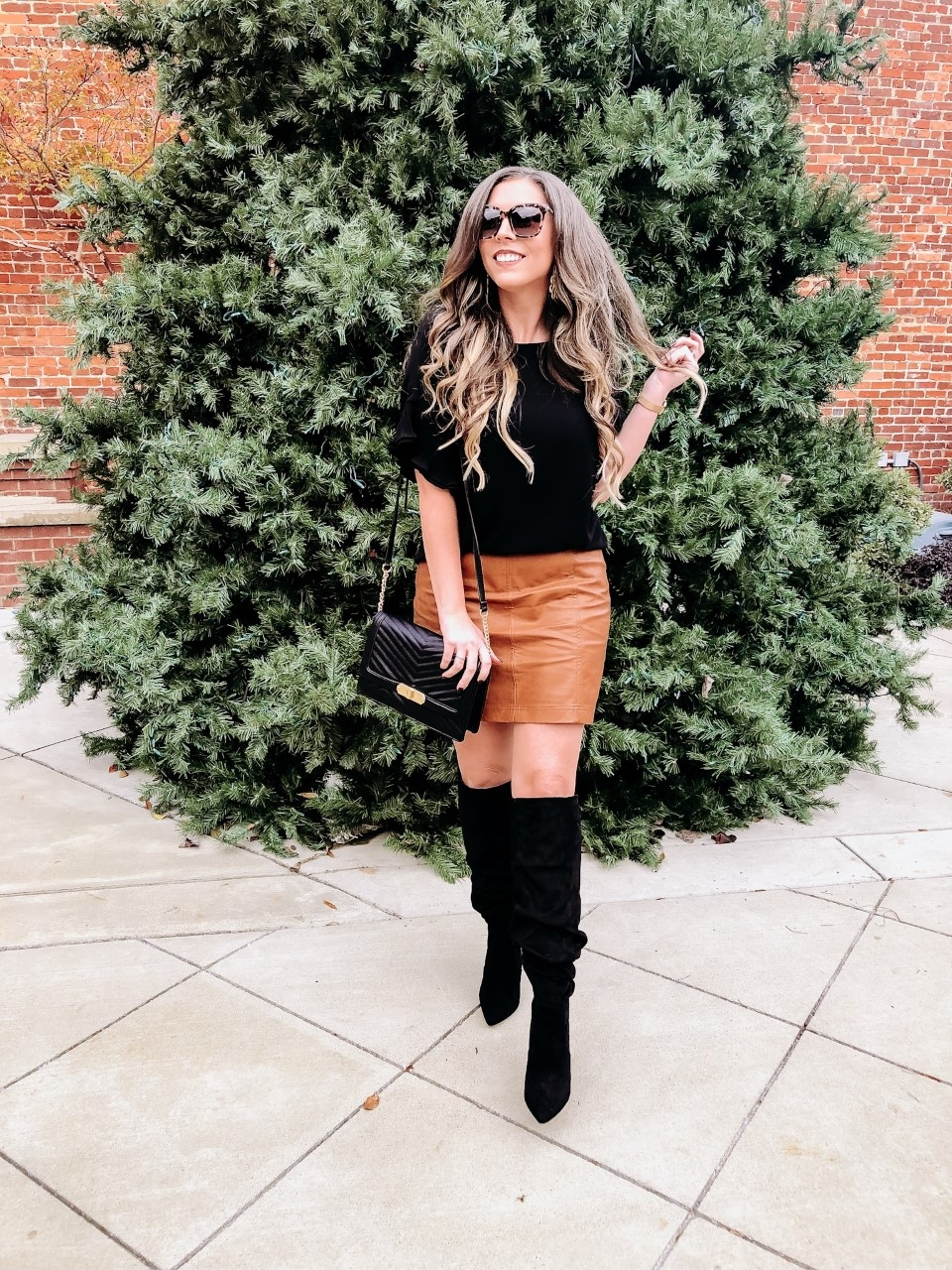 62c92d80c2 Leather A Line Skirt Outfit