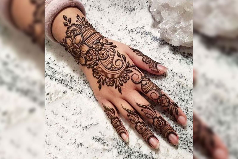 Simple Easy One Finger Mehndi Design