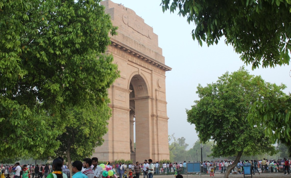 A Walking Trip From India Gate to President House