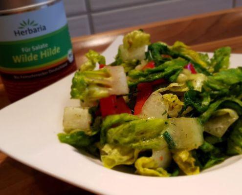 Salat mit Wilde Hilde Dose
