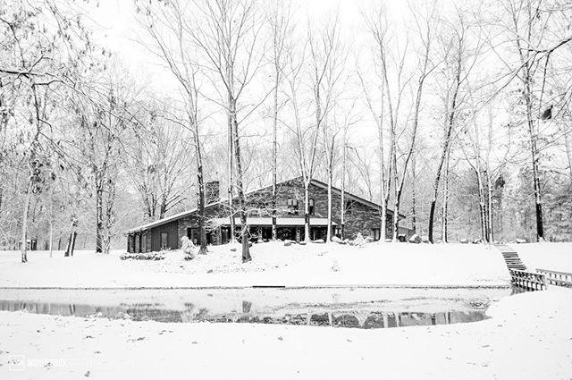 la casa de grande en las campas nieve. #voiceministriescamp #voiceministries #snow #elkhartcounty