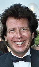 close-up of Garry Shandling in 1987, smiling widely