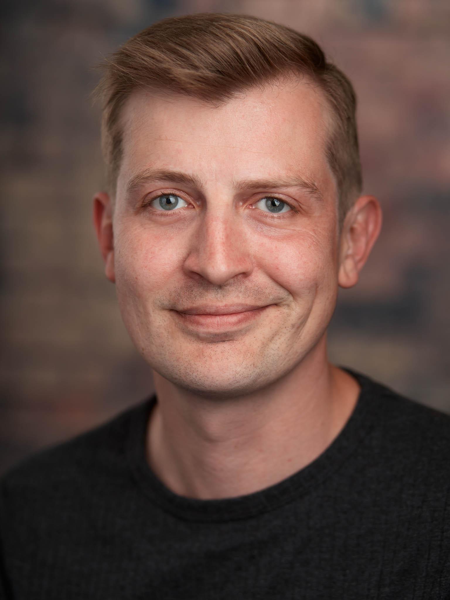 Christopher Everett
