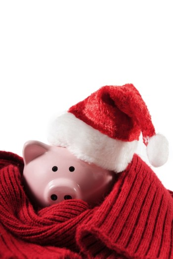 Save Money During The Holidays | how to | holidays | Christmas | how to save money during the holidays | gifts