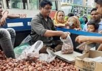 টিসিবির গাড়িতে মিলবে ৩০ টাকার পেঁয়াজ