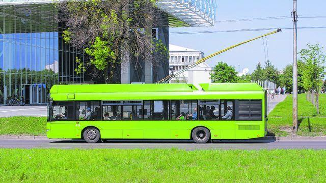 100 Prozent emissionsfrei: Elektro- und Wasserstoffbusse