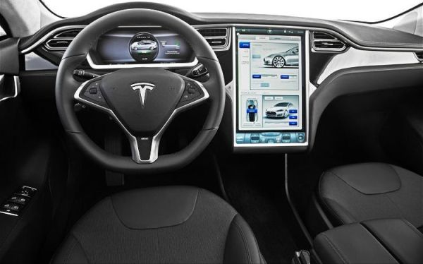 Tesla-Model-S-Display