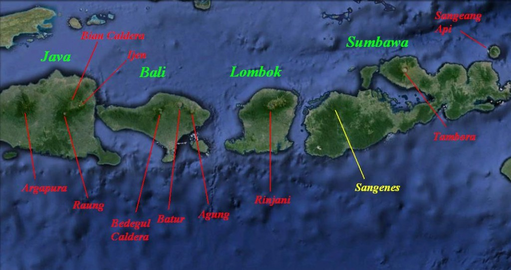 The Sunda Arc from Eastern Java through the Sunda Strait and the Lesser Sund Islands where the Australian plate subducts under the Sunda Plate at a rate given as 6-7 cm per year, relatively high. Note that for Sumatra and Western Java, the subducting plate is the Indian plate. The names of the Islands is green, active volcanic complexes, calderas and the larger stratovolcanoes are denoted in red. Sangenes (yellow) is thought to be extinct.