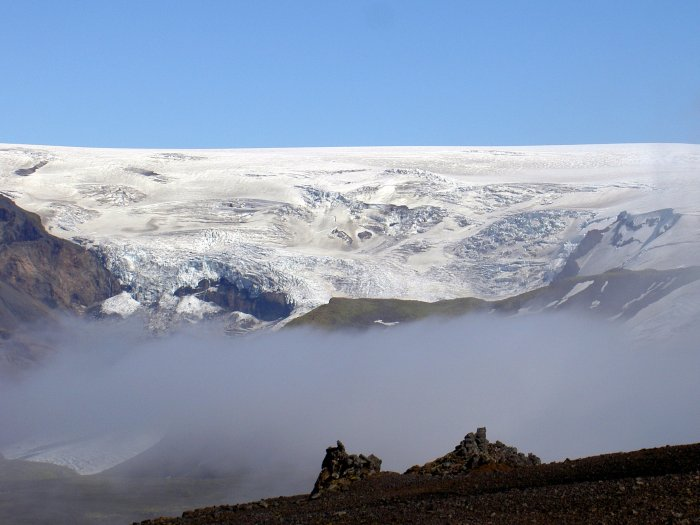 The Myrdalsjökull glacier, behind the glacial wall is Katla. Wikimedia Commons, photograph by Chris73.