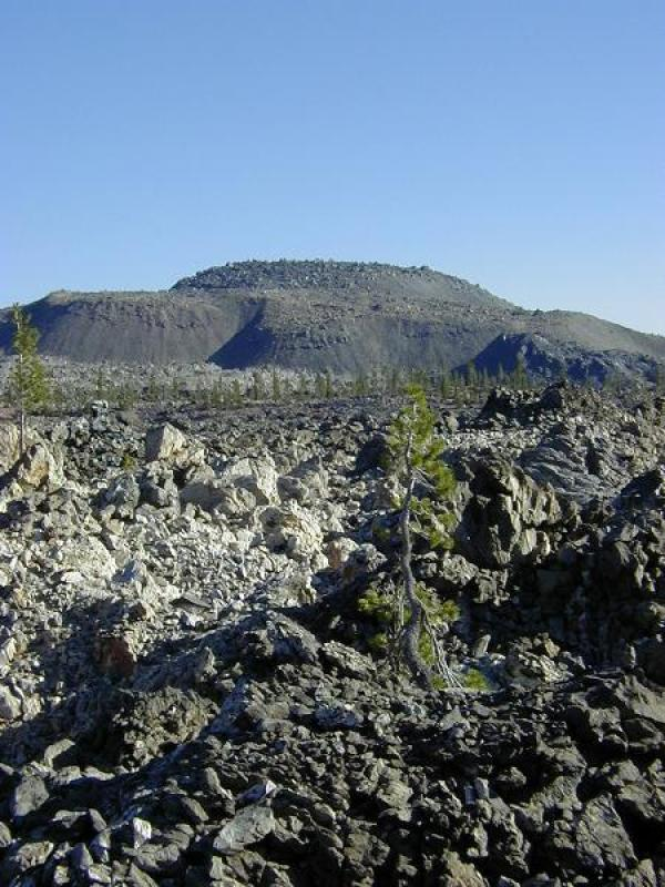 Glass Mountain, a rhyodacitic obsidian flow and most recent activity at Medicine Lake Volcano. (rhysw.com)