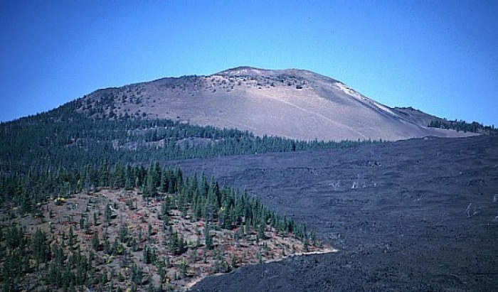 Belknap Crater and an associated, ca 1,500 year-old lava flow where nothing seems to grow. (mountain-forecast.com)